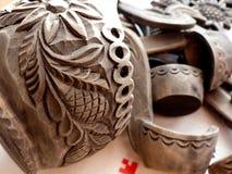 Τεμάχιο μιας ξύλινης κουτάλας με τις μικρές κουτάλες Τραπεζομάντιλο λινού Κουτάλα - ένα σκάφος για την κατανάλωση Λαϊκή τέχνη Ρωσ Στοκ φωτογραφίες με δικαίωμα ελεύθερης χρήσης