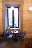 Τεμάχιο του εσωτερικού και περιβάλλον μέσα στο σύγχρονο καφέ ή το resta Στοκ φωτογραφίες με δικαίωμα ελεύθερης χρήσης