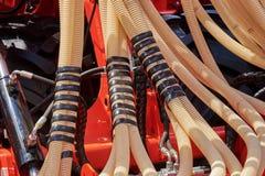 Τεμάχιο seeder με τις μάνικες σίτισης σιταριού Στοκ Φωτογραφίες