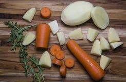 Τεμαχισμένα και ολόκληρα stew συστατικά Στοκ Εικόνα