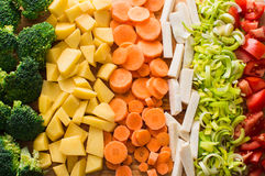 Τεμαχισμένα καρότα, μπρόκολο, ρίζα μαϊντανού, πράσο, ντομάτα, πατάτες Στοκ Εικόνες