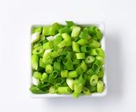 τεμαχισμένα πράσινα κρεμμύδια Στοκ εικόνες με δικαίωμα ελεύθερης χρήσης