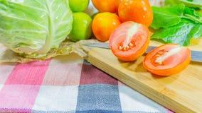 τεμαχισμένες ντομάτες Στοκ Εικόνες