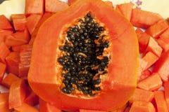 τεμαχισμένο εύγευστο papaya &kap Στοκ Φωτογραφία