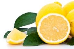 Τεμαχισμένο πορτοκάλι με τα λεμόνια στοκ φωτογραφίες με δικαίωμα ελεύθερης χρήσης