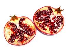 Τεμαχισμένο ρόδι, εγκέφαλοι φρούτων στο λευκό Στοκ φωτογραφία με δικαίωμα ελεύθερης χρήσης