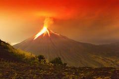 Τεράστια έκρηξη ηφαιστείων Tungurahua Στοκ Εικόνα