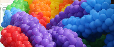 Τεράστια δέσμη των ζωηρόχρωμων μπαλονιών Στοκ Φωτογραφία