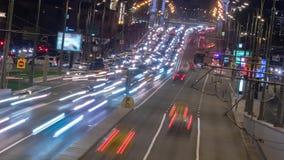 Τεράστια κυκλοφοριακή συμφόρηση νύχτας κατά μήκος της κίνησης εθνικών οδών timelapse απόθεμα βίντεο