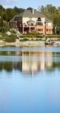 τεράστια λίμνη σπιτιών Στοκ φωτογραφίες με δικαίωμα ελεύθερης χρήσης