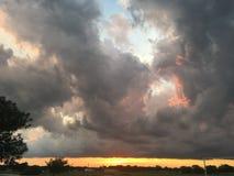 Τεράστια σύννεφα στοκ φωτογραφία με δικαίωμα ελεύθερης χρήσης