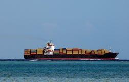 τεράστιο σκάφος εμπορε&ups Στοκ Εικόνες