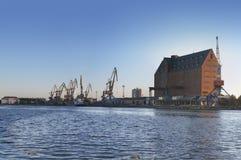 τερματικό γερανών φορτίο&upsilon Στοκ Εικόνα