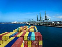 Τερματικό εμπορευματοκιβωτίων στο Σίνες, Πορτογαλία στοκ φωτογραφία με δικαίωμα ελεύθερης χρήσης