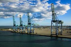 Τερματικό εμπορευματοκιβωτίων στο Fos-sur-Mer, Γαλλία στοκ φωτογραφία με δικαίωμα ελεύθερης χρήσης