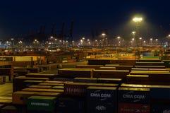 Τερματικό εμπορευματοκιβωτίων Buchardkai στο Αμβούργο τη νύχτα Στοκ φωτογραφία με δικαίωμα ελεύθερης χρήσης