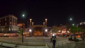 Τετράγωνο αγοράς, Knoxville, Τένεσι, Ηνωμένες Πολιτείες της Αμερικής: [Ζωή νύχτας στο κέντρο Knoxville] στοκ φωτογραφίες