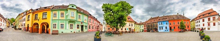 Τετράγωνο ακροπόλεων Sighisoara, Ρουμανία Στοκ Φωτογραφία