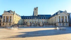 Τετράγωνο απελευθέρωσης και το παλάτι των δουκών Burgundy στοκ εικόνες