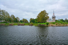 Τετράγωνο καθεδρικών ναών και η πύλη στο κανάλι Staroladogsky σε Shlisselburg, Ρωσία Στοκ εικόνες με δικαίωμα ελεύθερης χρήσης