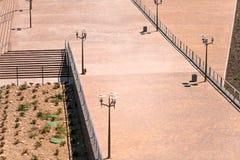 Τετράγωνο κοντά στο στάδιο χώρων του Ροστόφ και την αμμώδη παραλία στοκ εικόνα