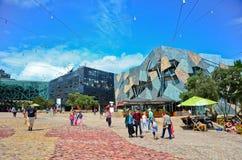 Τετράγωνο ομοσπονδίας στην πόλη της Μελβούρνης cetre Στοκ εικόνα με δικαίωμα ελεύθερης χρήσης