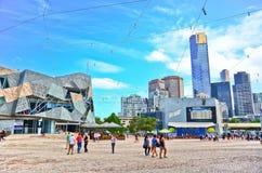 Τετράγωνο ομοσπονδίας στην πόλη της Μελβούρνης cetre Στοκ Φωτογραφία