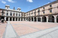 Τετράγωνο στην παλαιά πόλη Avila, Ισπανία Στοκ φωτογραφία με δικαίωμα ελεύθερης χρήσης