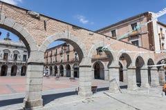 Τετράγωνο στην παλαιά πόλη Avila, Ισπανία Στοκ Εικόνα