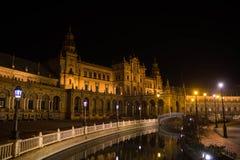Τετράγωνο της Ισπανίας τη νύχτα στη Σεβίλη, Ισπανία Στοκ Φωτογραφίες