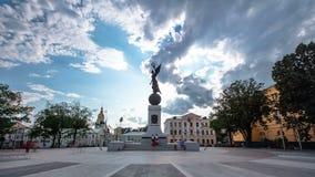 Τετράγωνο του συντάγματος timelapse hyperlapse στο κέντρο πόλεων Kharkov φιλμ μικρού μήκους