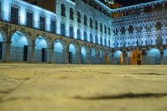 Τετράγωνο ύψους, Plaza Alta Badajoz, που φωτίζεται από τα οδηγημένα φω'τα α Στοκ φωτογραφία με δικαίωμα ελεύθερης χρήσης