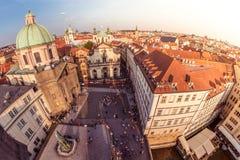 Τετράγωνο namesti Krizovnicke στο ηλιοβασίλεμα Πράγα, Δημοκρατία της Τσεχίας στοκ εικόνα με δικαίωμα ελεύθερης χρήσης