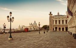 Τετράγωνο SAN Marco στη Βενετία, Ιταλία νωρίς στοκ φωτογραφία