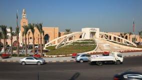 Τετραγωνική διασταύρωση κυκλικής κυκλοφορίας Sief στο Κουβέιτ απόθεμα βίντεο