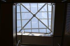 Τετραγωνική σκάλα Στοκ φωτογραφίες με δικαίωμα ελεύθερης χρήσης