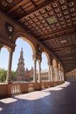 Τετραγωνική στοά της Ισπανίας και ξύλινη ξυλεπένδυση Στοκ Εικόνες