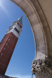 Τετραγωνικός πύργος σημαδιών του ST, Βενετία στοκ εικόνα με δικαίωμα ελεύθερης χρήσης