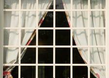 τετραγωνικό άσπρο παράθυρ& Στοκ Εικόνες