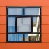 Τετραγωνικό παράθυρο με τις αντανακλάσεις Στοκ Εικόνες