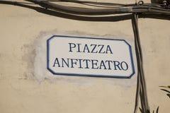 Τετραγωνικό σημάδι Anfiteatro πλατειών, Lucca Στοκ Εικόνες