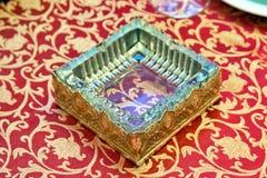 Τετραπλάσιο γυαλί/γυαλί Ashtray στοκ εικόνα