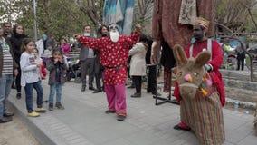 Τεχεράνη, Ιράν - 2019-04-03 - δίκαιη ψυχαγωγία 5 οδών - σκετς 2 παιδιών φιλμ μικρού μήκους