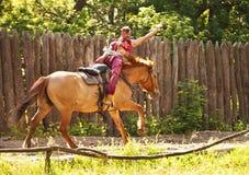 Τεχνάσματα στο καλπάζοντας άλογο Στοκ Εικόνες