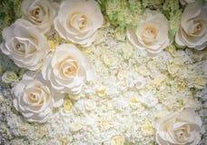 Τεχνητός αυξήθηκε υπόβαθρο λουλουδιών Στοκ εικόνα με δικαίωμα ελεύθερης χρήσης