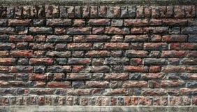 τεχνητός μπλε ελαφρύς τοίχος πετρών κόκκινο με την άσπρη ένωση Στοκ φωτογραφία με δικαίωμα ελεύθερης χρήσης