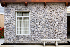 τεχνητός μπλε ελαφρύς τοίχος πετρών στοκ εικόνα