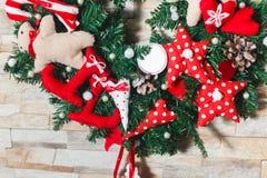 Τεχνητός χειροποίητος στεφανιών Χριστουγέννων Στοκ Φωτογραφίες