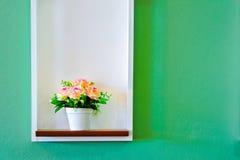 τεχνητό ζωηρόχρωμο λουλούδι Στοκ Φωτογραφίες