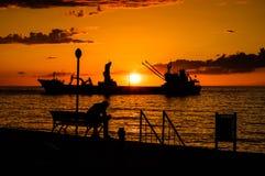 Τεχνητό ηλιοβασίλεμα κατασκευής ακτών Στοκ φωτογραφία με δικαίωμα ελεύθερης χρήσης